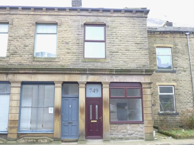 4 Bedrooms Terraced House for sale in Burnley Road Calderdale
