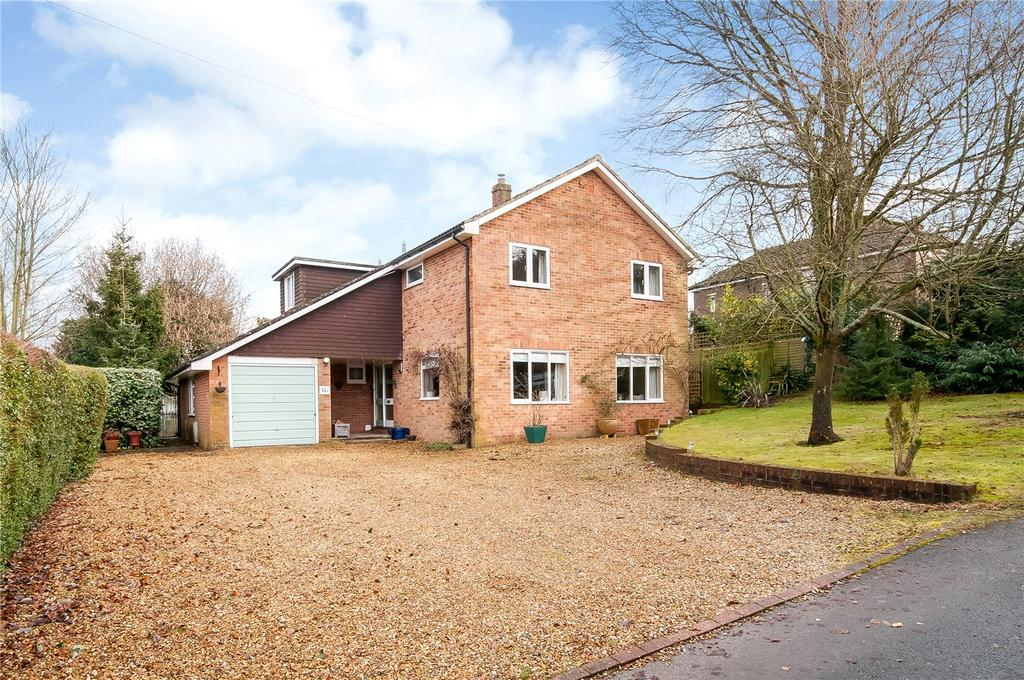 4 Bedrooms Detached House for sale in North Drive, Littleton, Winchester, SO22