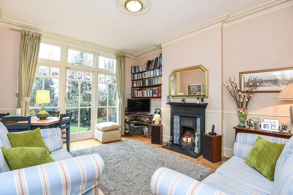 2 Bedrooms Flat for sale in Curzon Road, Muswell Hill, N10