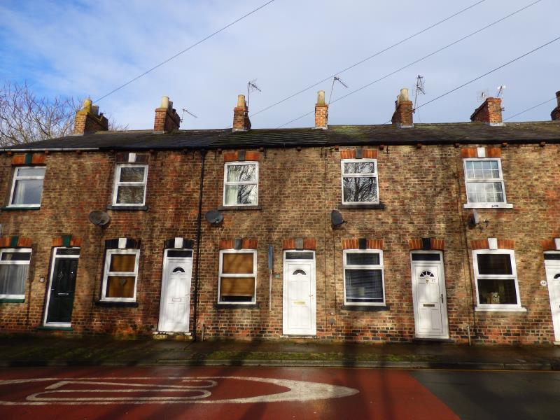 2 Bedrooms Terraced House for sale in PRIEST LANE, RIPON, HG4 1LL