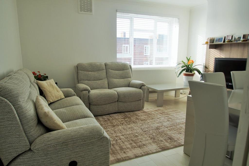 3 Bedrooms Flat for sale in Crouch Hall Court, Crouch Hill
