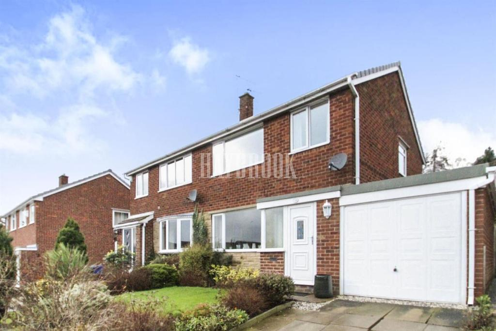 3 Bedrooms Semi Detached House for sale in Hall Royd Walk, Silkstone Common