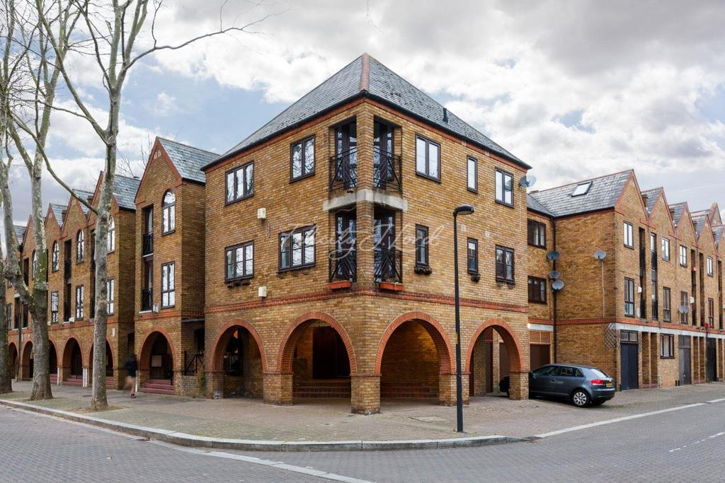 2 Bedrooms Flat for sale in Brunswick Quay, Surrey Quays SE16
