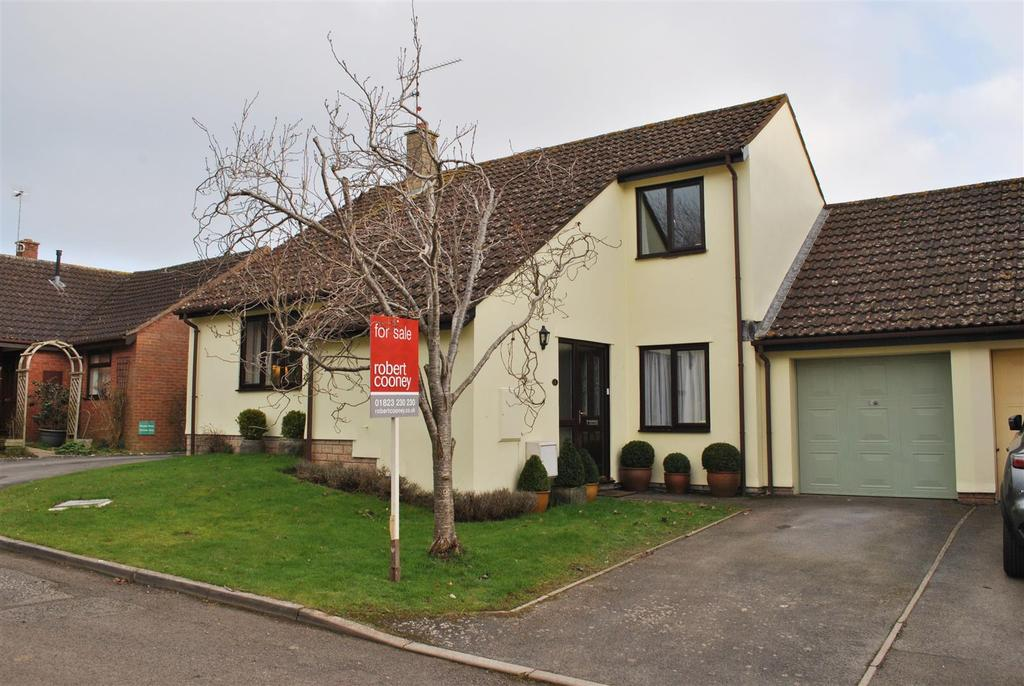 3 Bedrooms Link Detached House for sale in Lodwells Orchard, North Curry