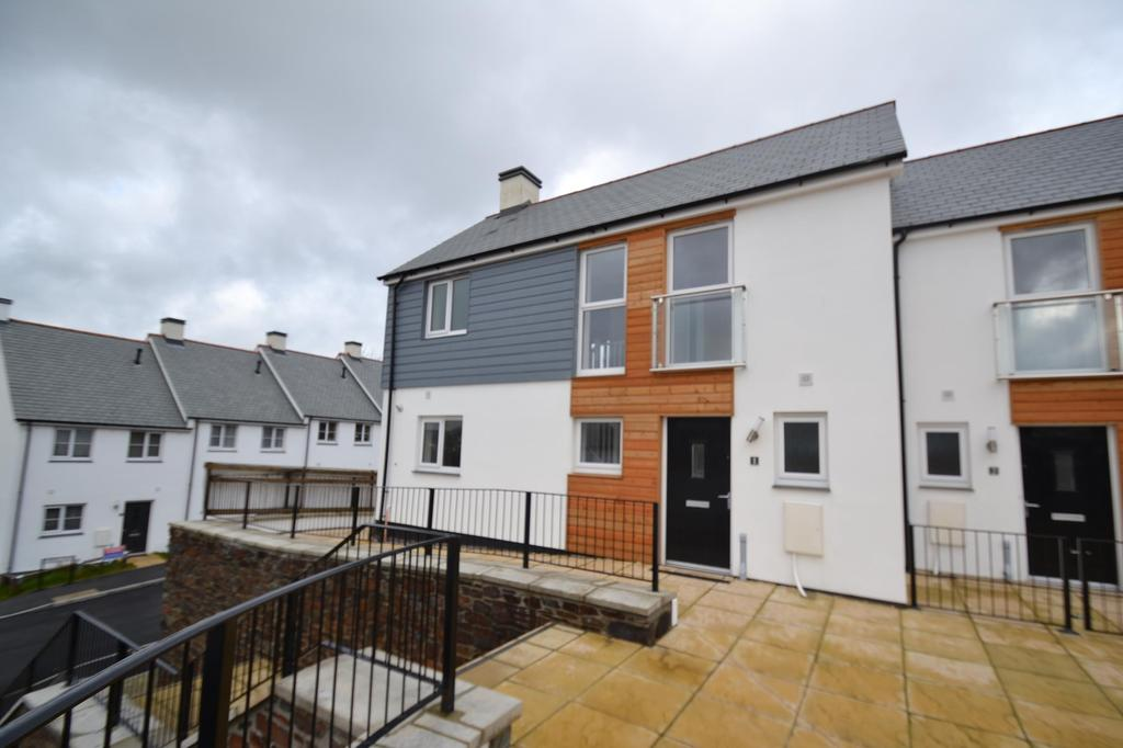 3 Bedrooms Terraced House for sale in Dymond Court, Bodmin