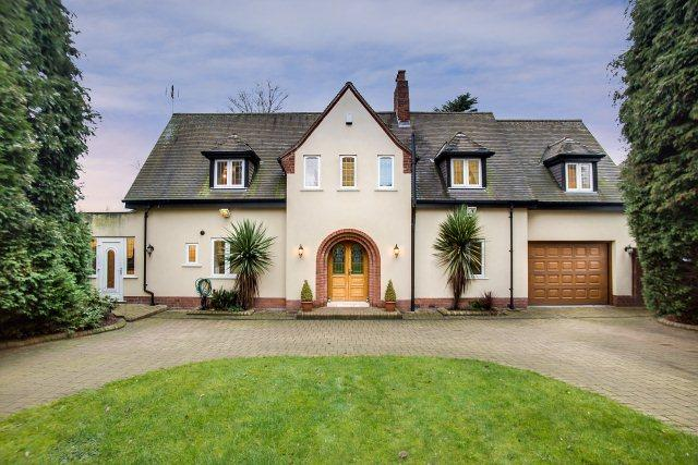 5 Bedrooms Detached House for sale in Skip Lane,Walsall,West Midlands