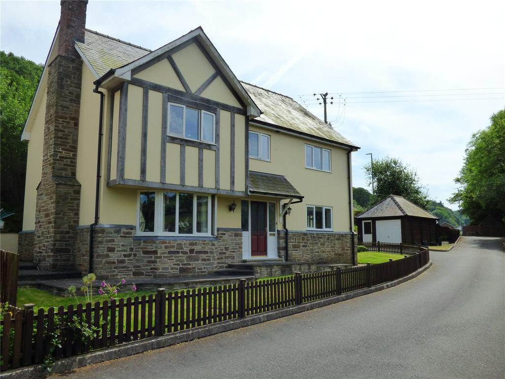 4 Bedrooms Detached House for sale in Cae Clawdd, Ffrydd Road, Knighton, Powys
