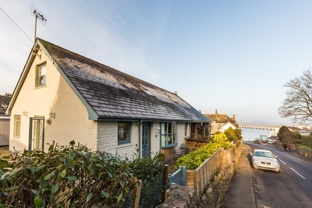 2 Bedrooms Semi Detached Bungalow for sale in 6a Silverdale Road, Arnside, Cumbria, LA5 0AG