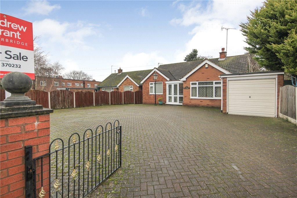 2 Bedrooms Detached Bungalow for sale in Whittington Road, Norton, Stourbridge, West Midlands, DY8