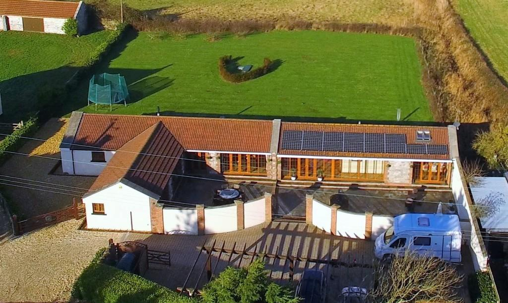4 Bedrooms Barn Conversion Character Property for sale in Superb barn conversion in Kewstoke