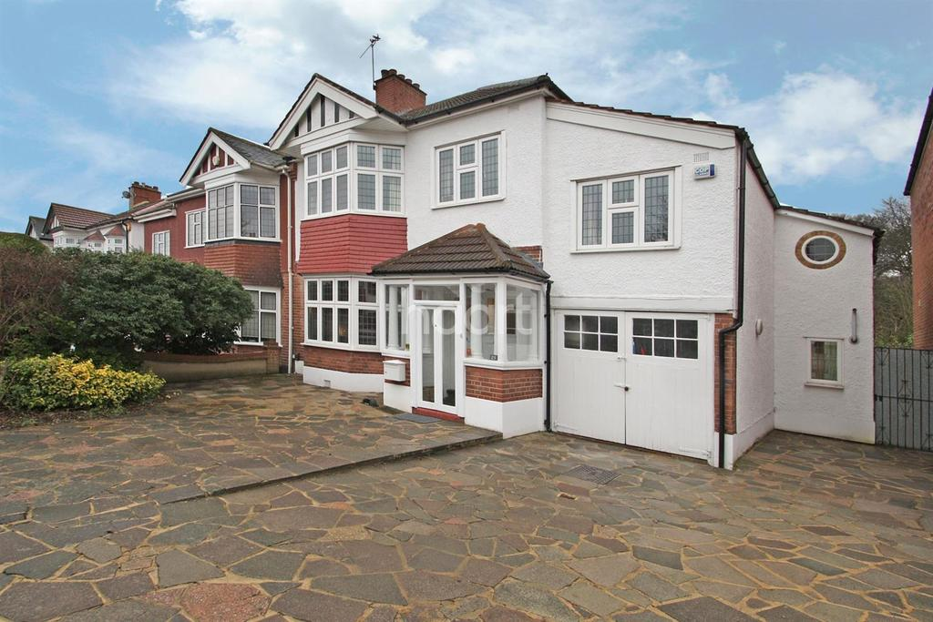 5 Bedrooms Semi Detached House for sale in High View Road, South Woodford, E18