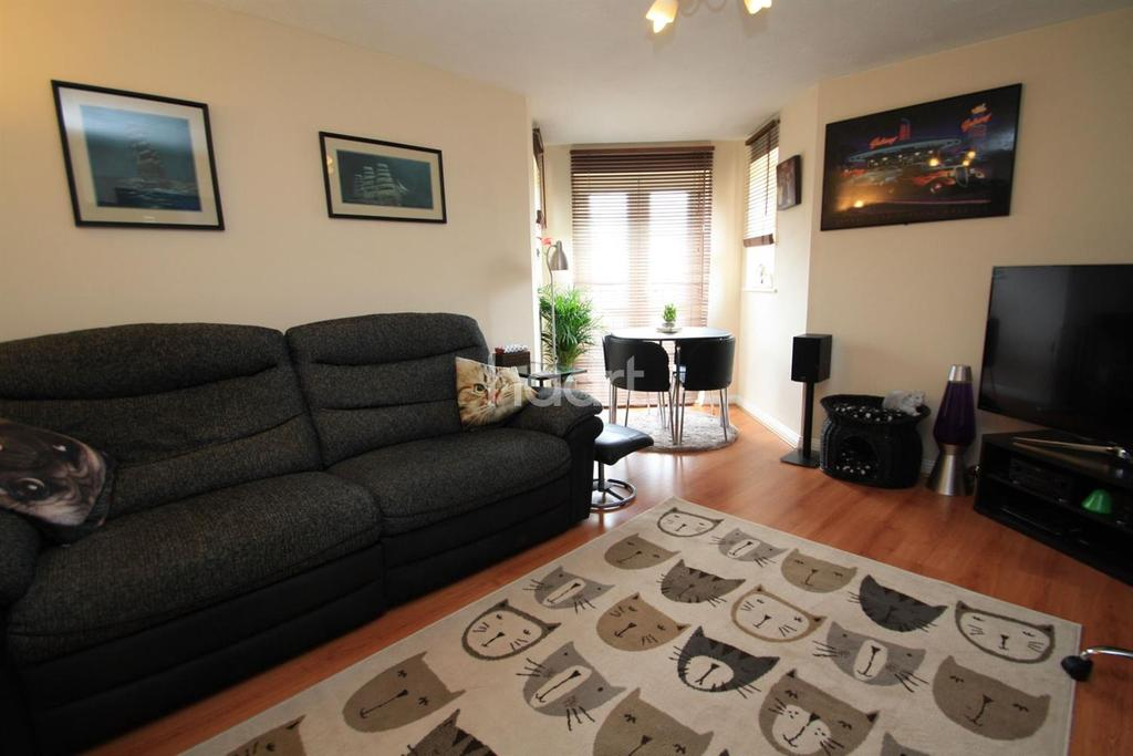 2 Bedrooms Flat for sale in Caledonia Court, Keel Close