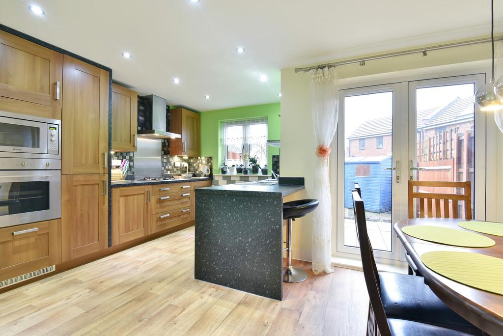 3 Bedrooms Town House for sale in Ruskin Grove, Maidstone, Kent