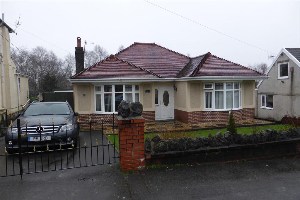 3 Bedrooms Bungalow for sale in 19 Compton Road, Skewen, Neath