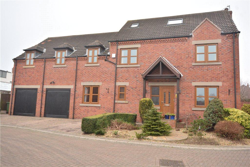 5 Bedrooms Detached House for sale in Calderstone Court, Middlestown, Wakefield, West Yorkshire