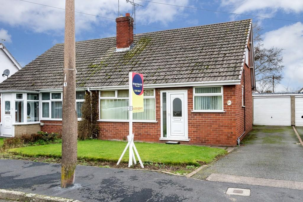 3 Bedrooms Semi Detached Bungalow for sale in Wistaston, Cheshire