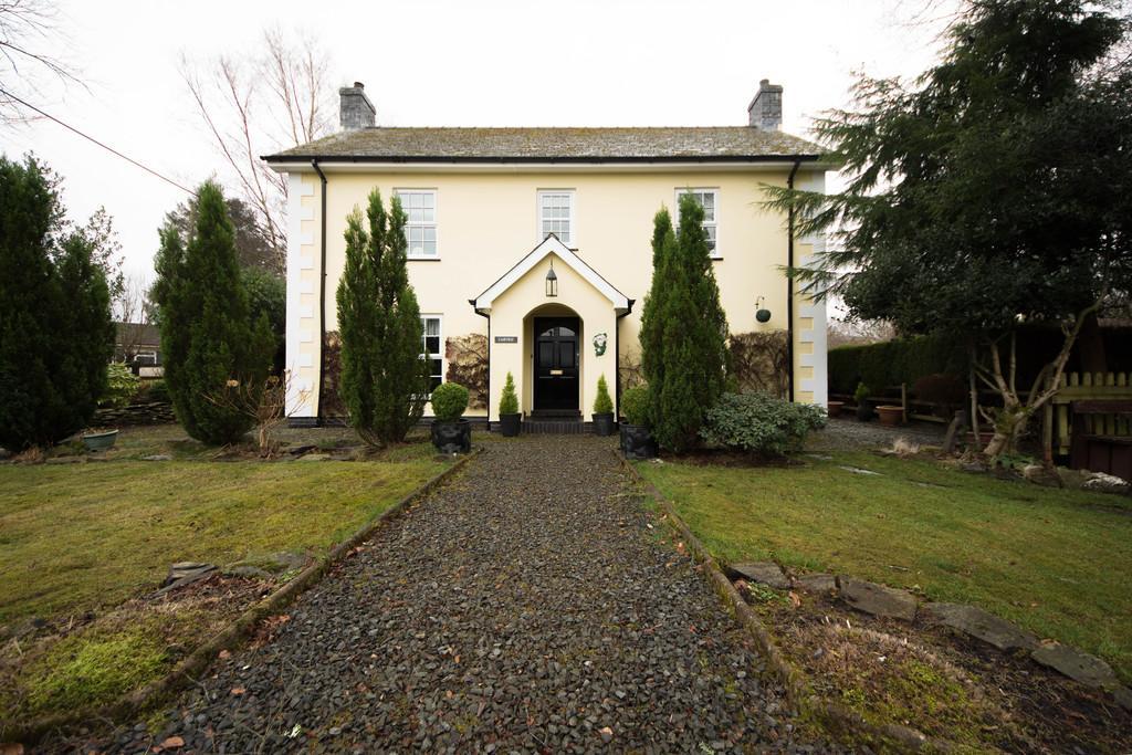 3 Bedrooms Detached House for sale in Devils Bridge, Ceredigion