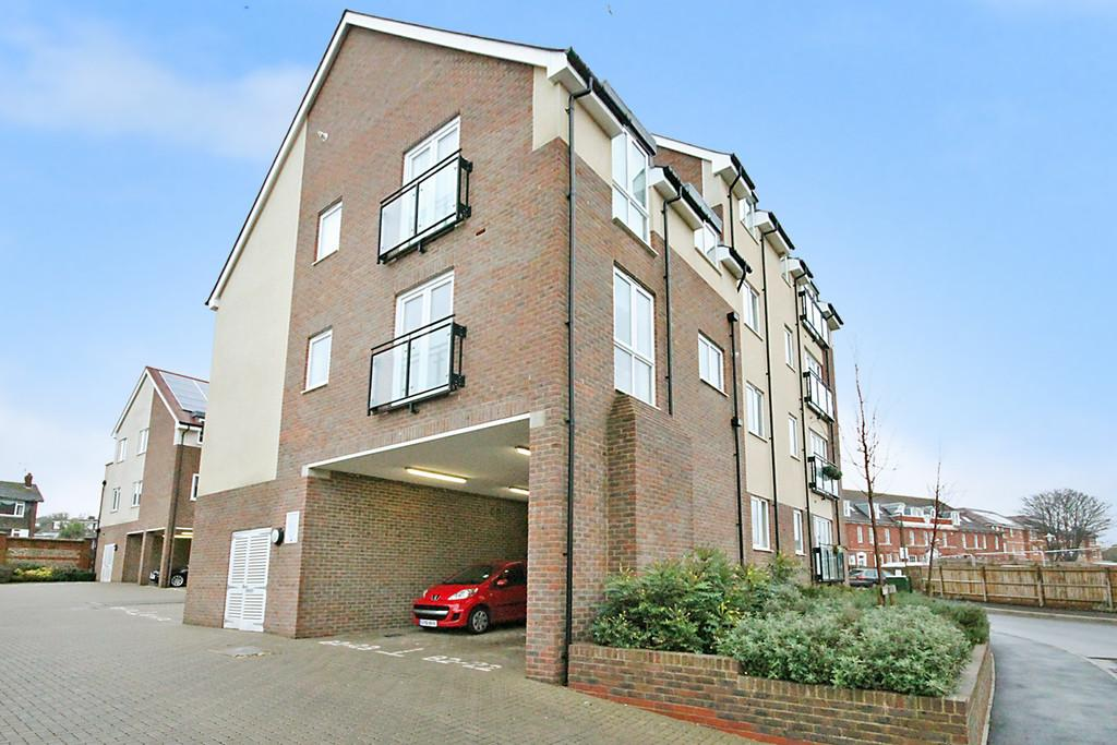 2 Bedrooms Apartment Flat for sale in Heron View, Southlands Way, Shoreham-by-Sea, BN43 6AU