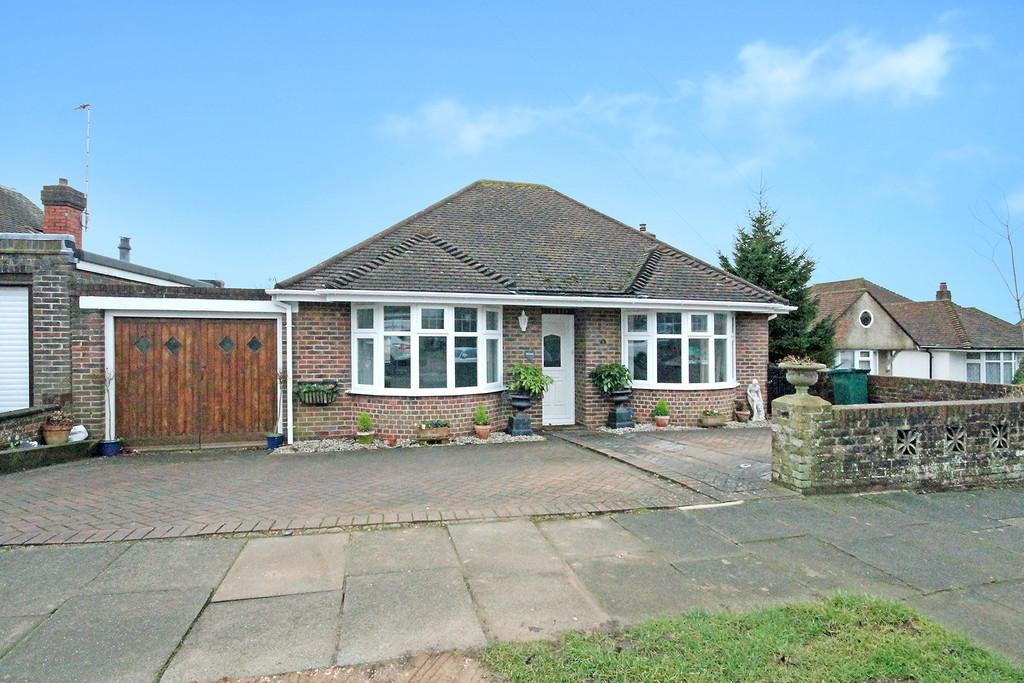 2 Bedrooms Detached Bungalow for sale in Windmill Close, Hove, BN3 7LJ