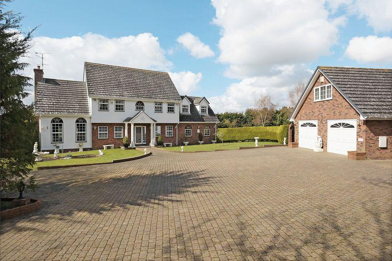 4 Bedrooms Detached House for rent in Lewes Road, Uckfield