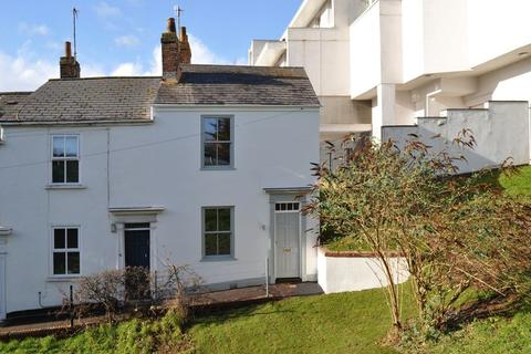 2 bedroom end of terrace house to rent - ST LEONARDS