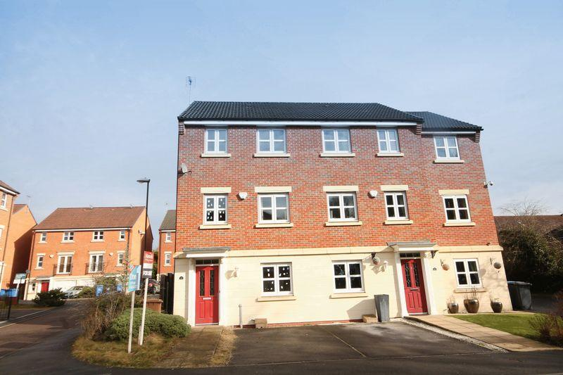 4 Bedrooms Town House for sale in BADGERDALE WAY, LITTLEOVER.