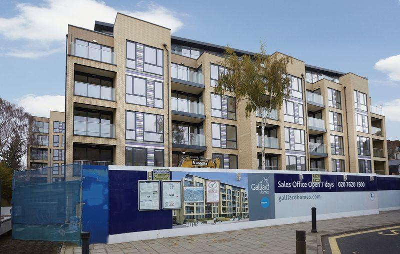 2 Bedrooms Apartment Flat for sale in Grove Place, West Court Eltham SE9