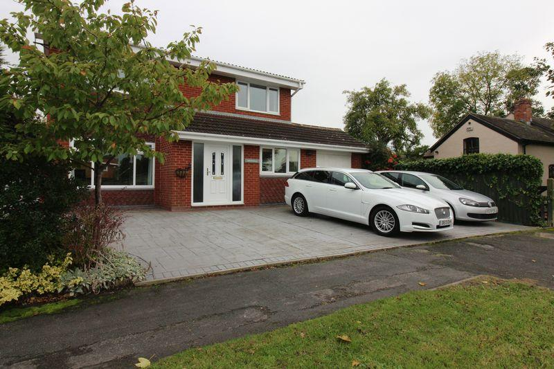 4 Bedrooms Detached House for sale in The Street, Mickle Trafford, Chester