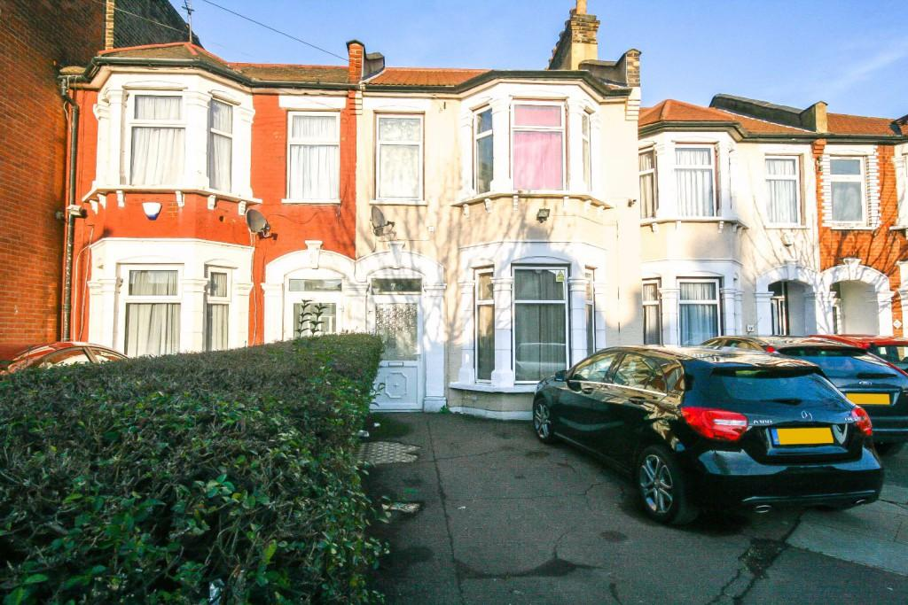 4 Bedrooms Terraced House for sale in Wanstead Park Road, Ilford, IG1