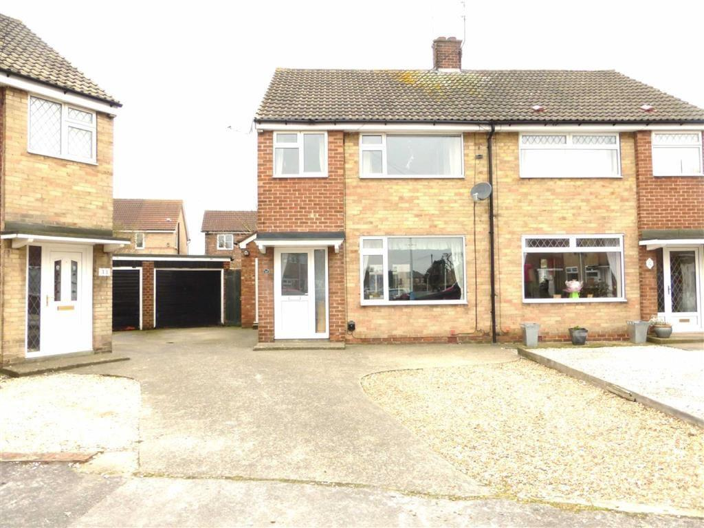 3 Bedrooms Semi Detached House for sale in Astral Road, Hessle, Hessle, HU13