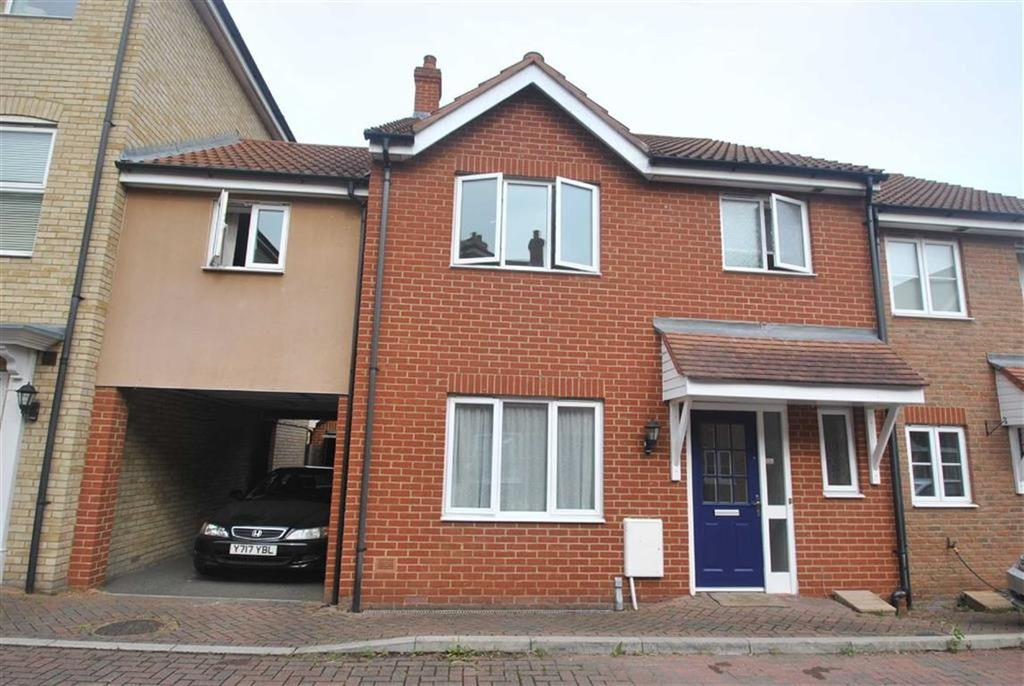 4 Bedrooms Link Detached House for sale in Reynolds Gardens, Rochford, Essex