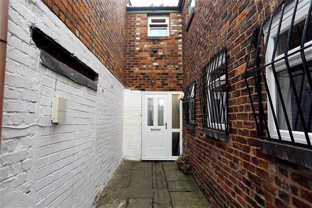 4 Bedrooms House for sale in Queen Street West, Withington, Manchester