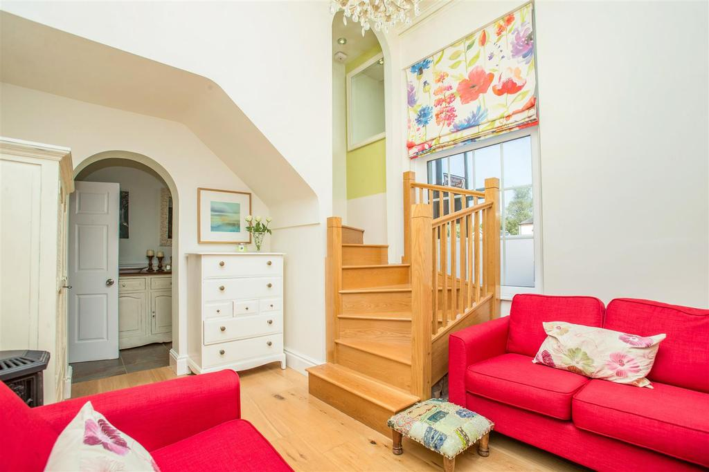 4 Bedrooms Town House for sale in Main Street, Fulford, York