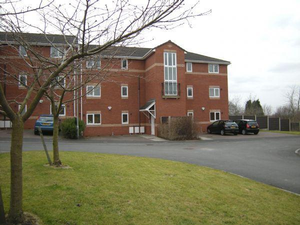 2 Bedrooms Apartment Flat for sale in Millstone Close, Bredbury, SK6