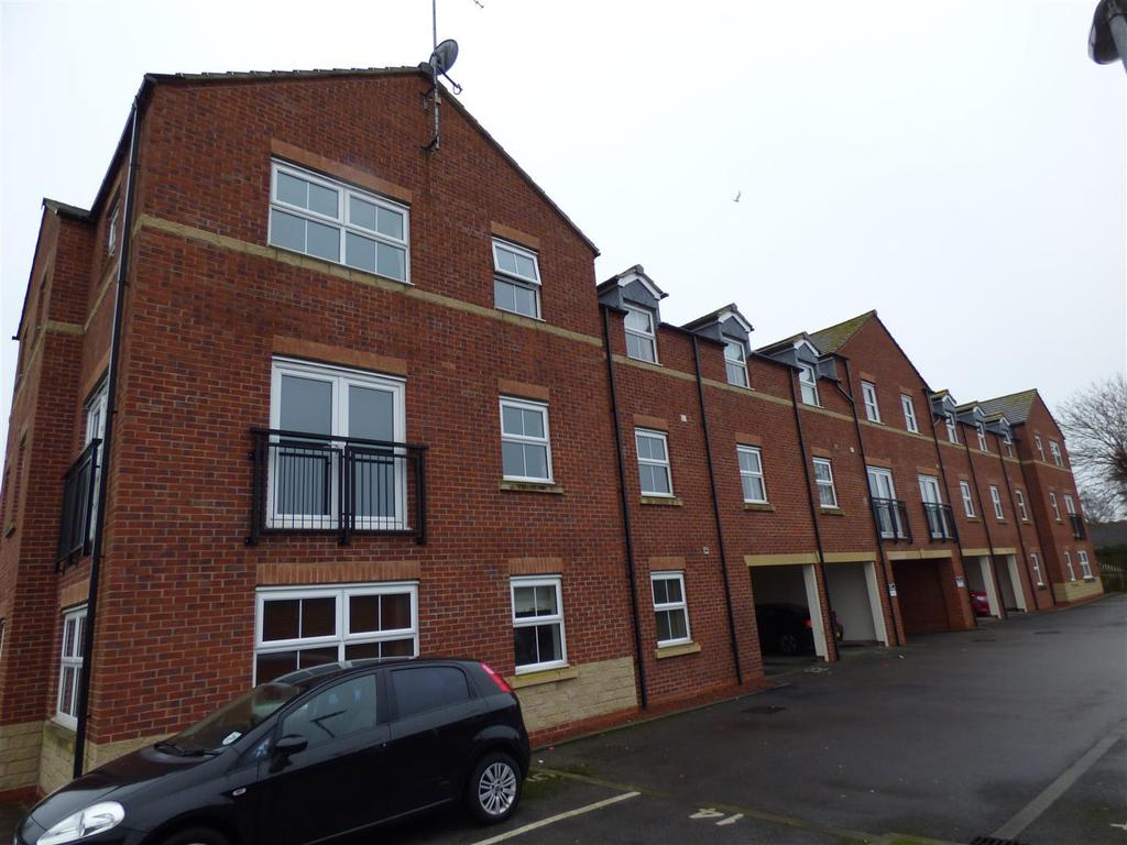 2 Bedrooms Flat for sale in Priory Road, Hull