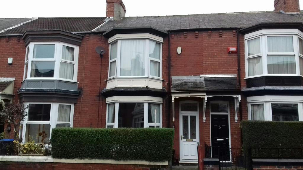 3 Bedrooms Terraced House for sale in Queens Road, Middlesbrough