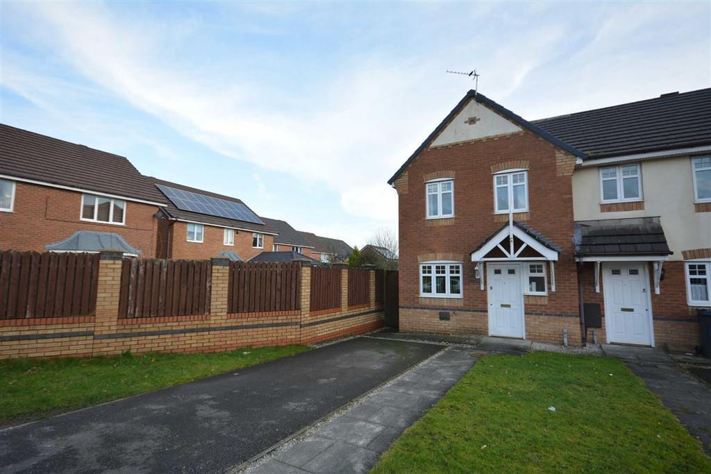 3 Bedrooms Town House for sale in Dartington Road, Platt Bridge, Wigan, WN2