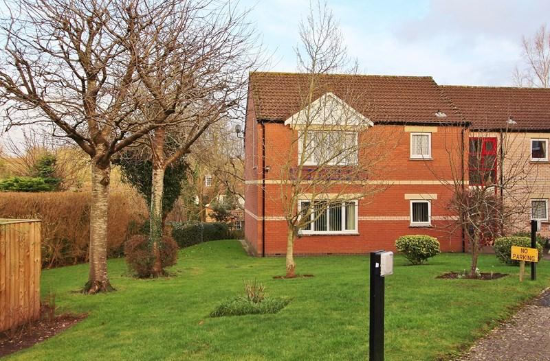 2 Bedrooms Retirement Property for sale in Fairacres Close, Keynsham, Bristol