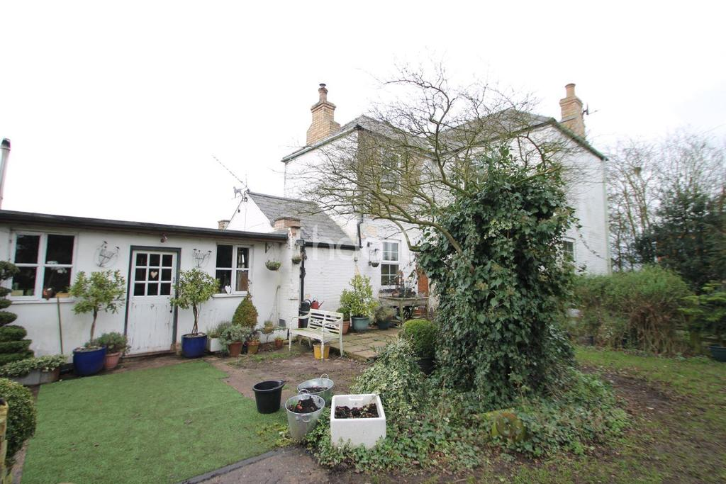 3 Bedrooms Detached House for sale in Wisbech Rd, March