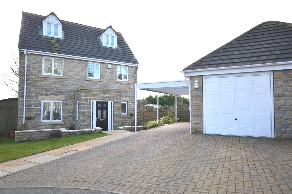 5 Bedrooms Detached House for sale in Highfield Court, Batley, West Yorkshire
