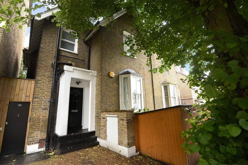 2 Bedrooms Flat for sale in Bird in Bush Road, Peckham, SE15