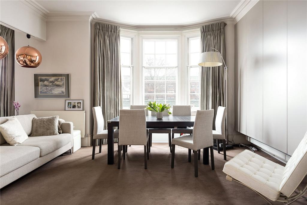 2 Bedrooms Flat for sale in Cromwell Crescent, Earls Court, London