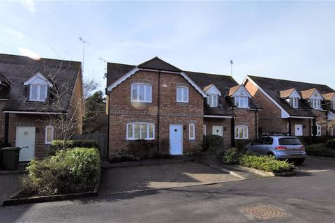 3 bedroom semi-detached house to rent - Blewburton Close, Mortimer, Reading, Berkshire, RG7