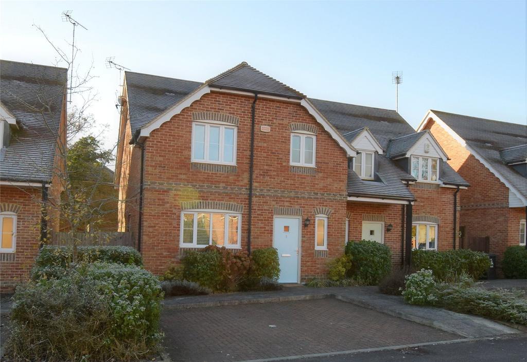 3 Bedrooms Semi Detached House for rent in Blewburton Close, Mortimer, Reading, Berkshire, RG7