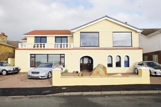 4 Bedrooms House for sale in Majestic Drive, Onchan, IM3 2JJ
