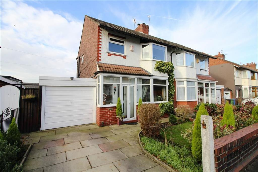 3 Bedrooms Semi Detached House for sale in Reddish Road, South Reddish, Stockport