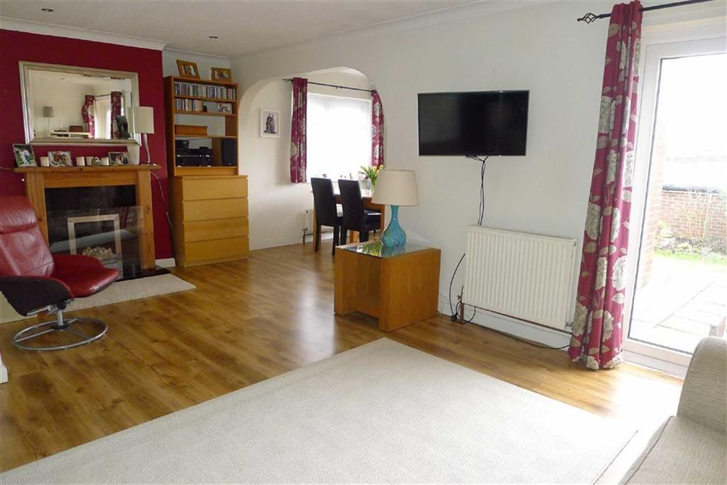 3 Bedrooms End Of Terrace House for sale in Long Catlis Road, Rainham, Kent, ME8