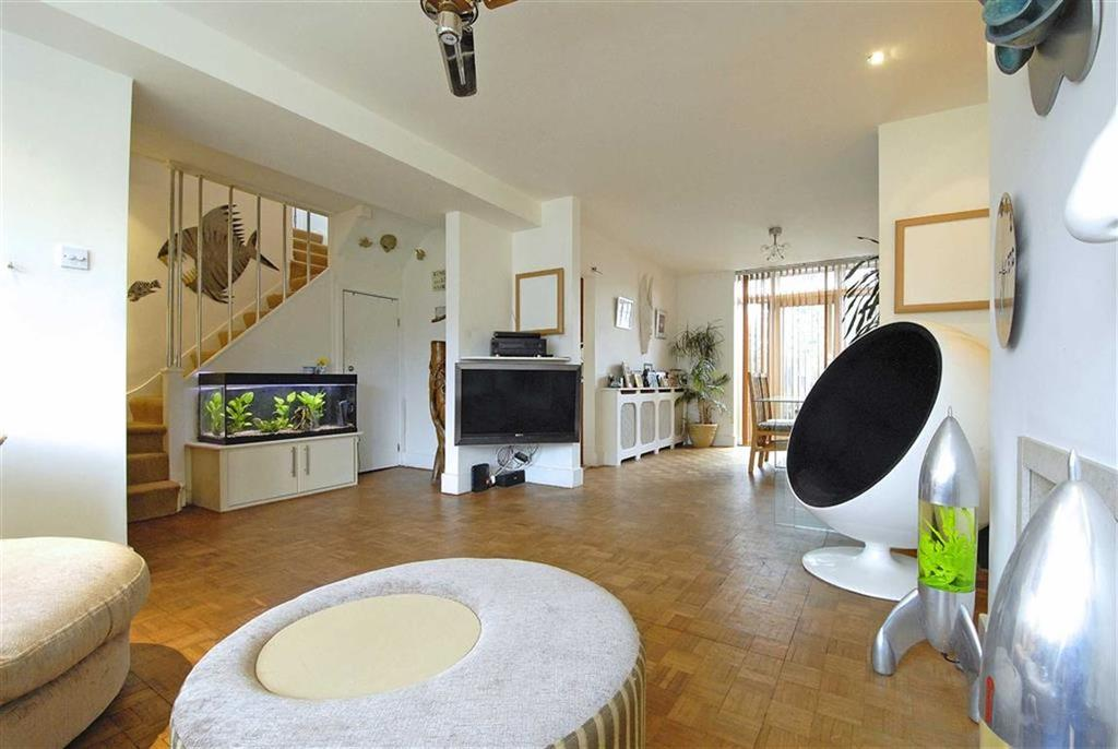 4 Bedrooms Semi Detached House for sale in Ribston Close, Bromley, Kent