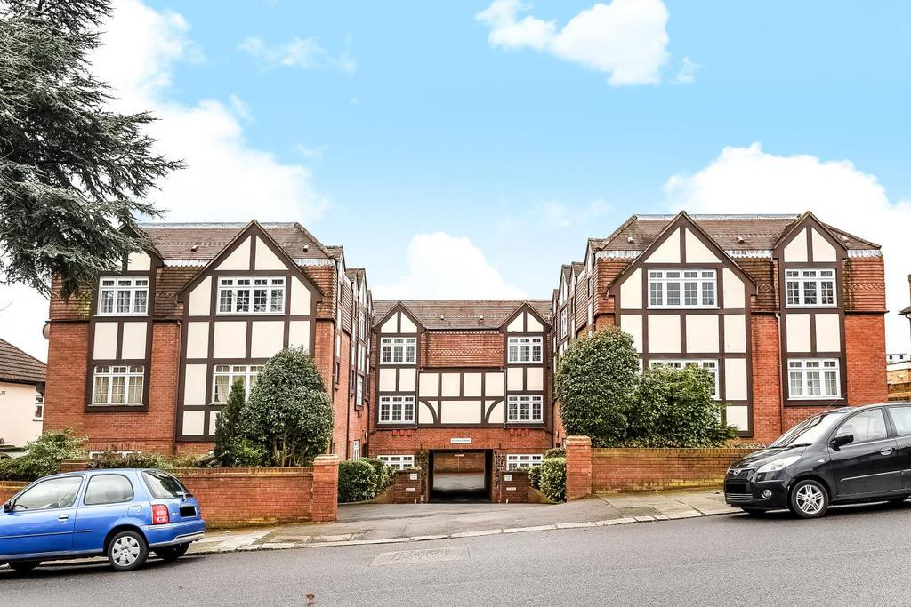 2 Bedrooms Flat for sale in Conway Road, Southgate, N14