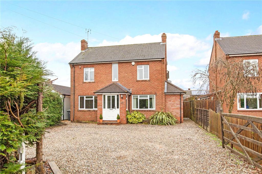 4 Bedrooms Detached House for sale in Monks Lane, Newbury, Berkshire, RG14